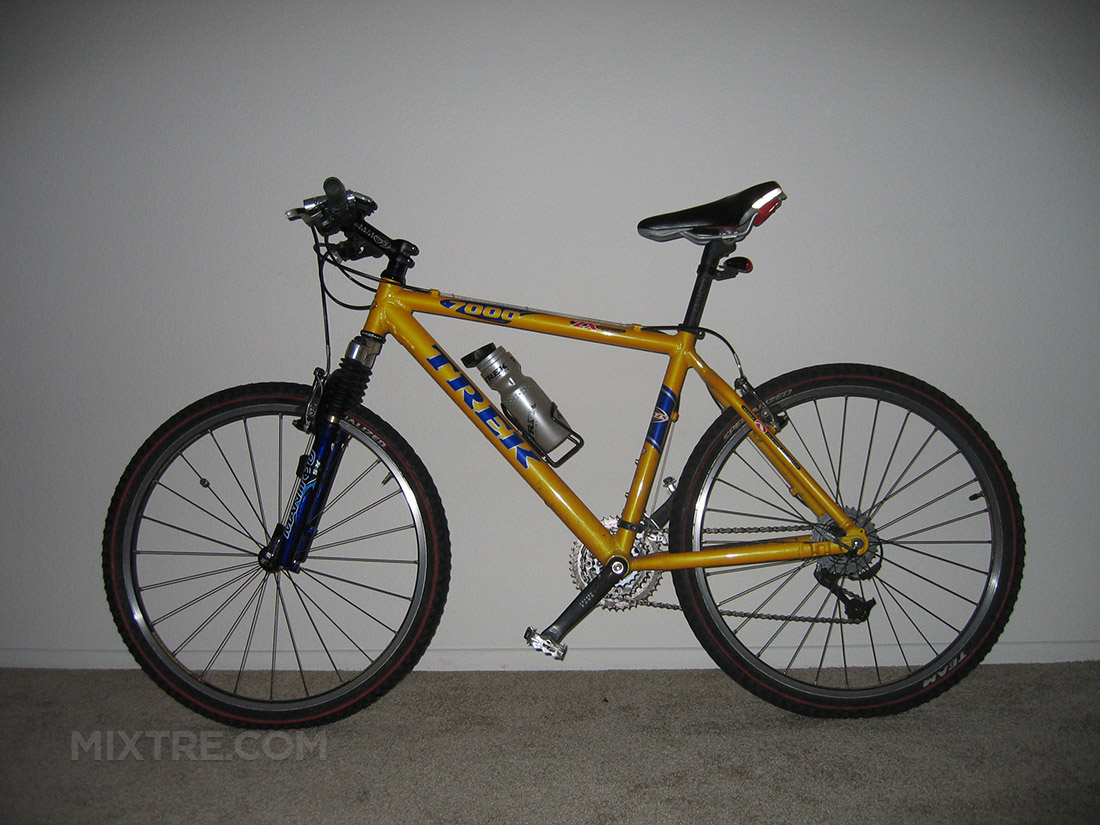 yellow 2000 Trek 7000 mountain bike